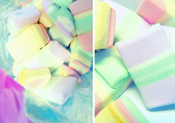 Happy marshmallows by do0dz