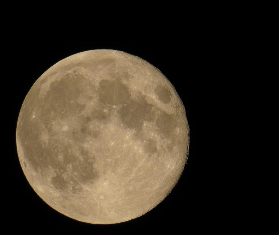 Sx 50 Hs Moon Shot by crisvsv