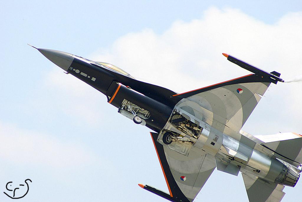 F16 takeoff by crisvsv on DeviantArt