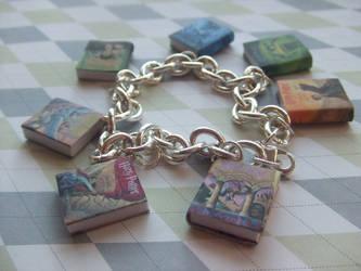Harry Potter book bracelet by manditaaknfv