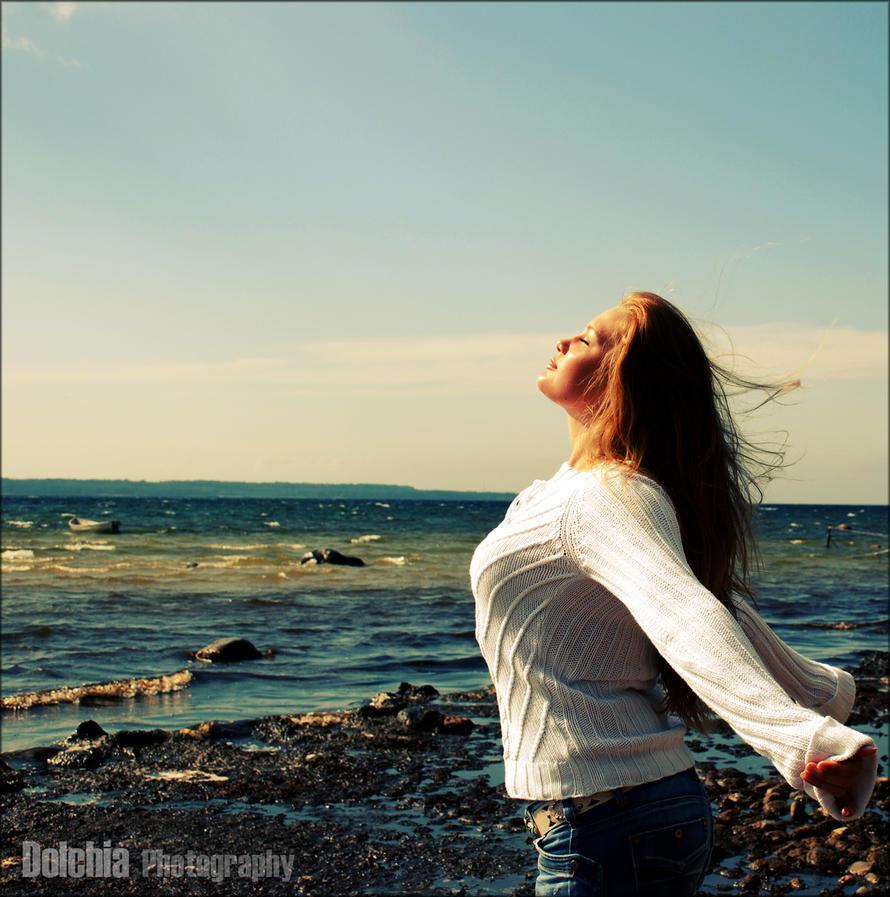 Freedom by dolchia