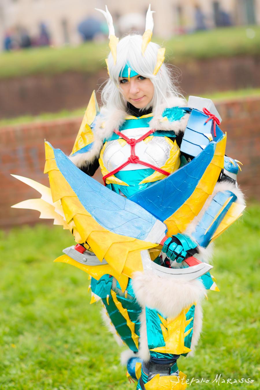 Jinouga armor female by HeavenAndSky