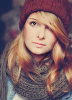 Girl with woollen hat.