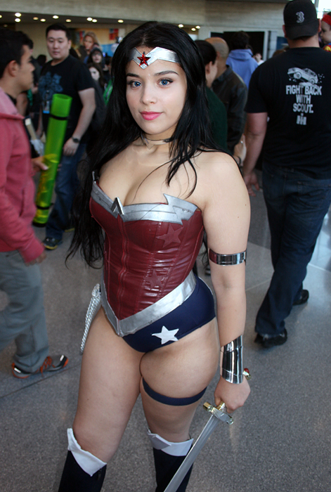 NYCC Cosplay Wonder Woman 2 10 12 14 by Wilcox660