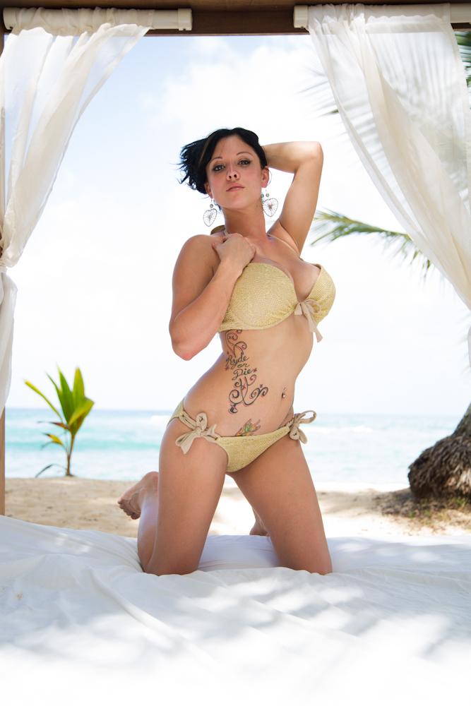 hot-nikole-naked-sexy