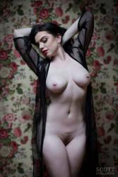 Sara Hunter- Floral by Scottworldwide
