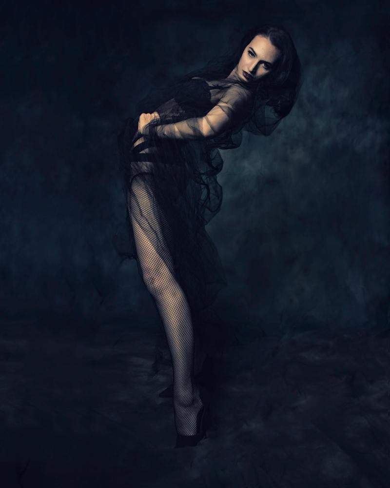 Veiled goddess by Charlie0742001