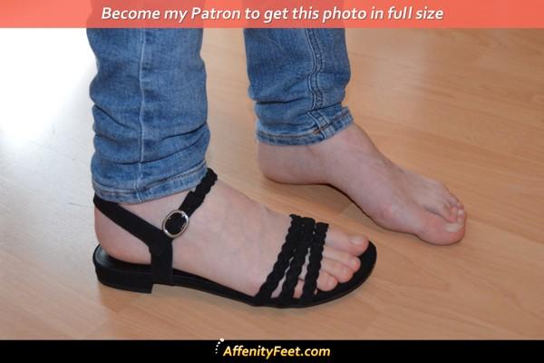 Barefoot, Sandal