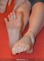 Affenithumb - Waving Toes