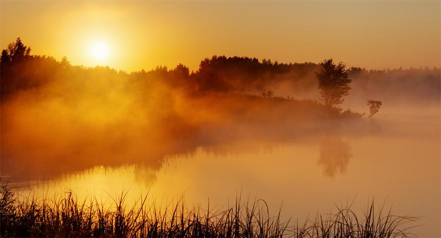 Morning Lake by DeingeL