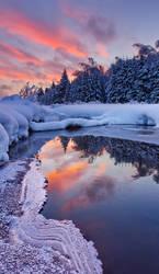 Frosting by DeingeL