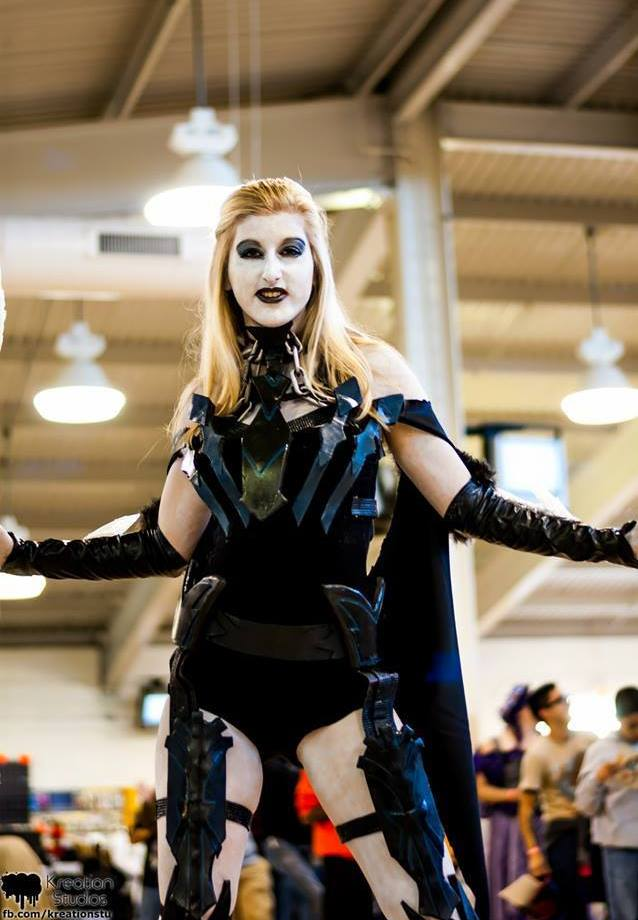 http://fc04.deviantart.net/fs70/f/2013/353/4/e/injustice__god_s_among_us_killer_frost_cosplay_by_katieflemingcosplay-d6yjm4g.jpg