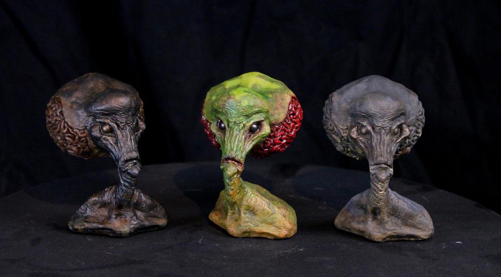 Classic 1950's Style Alien Minibust by RavendarkCreations