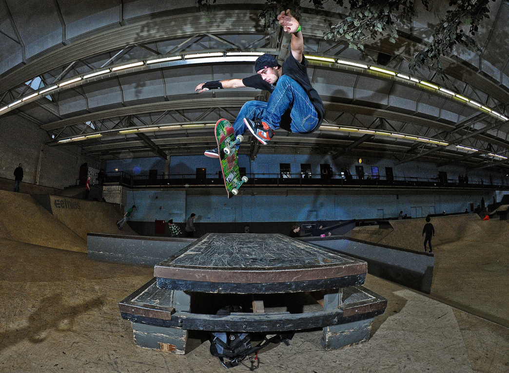 tabletop treflip by eddiethink