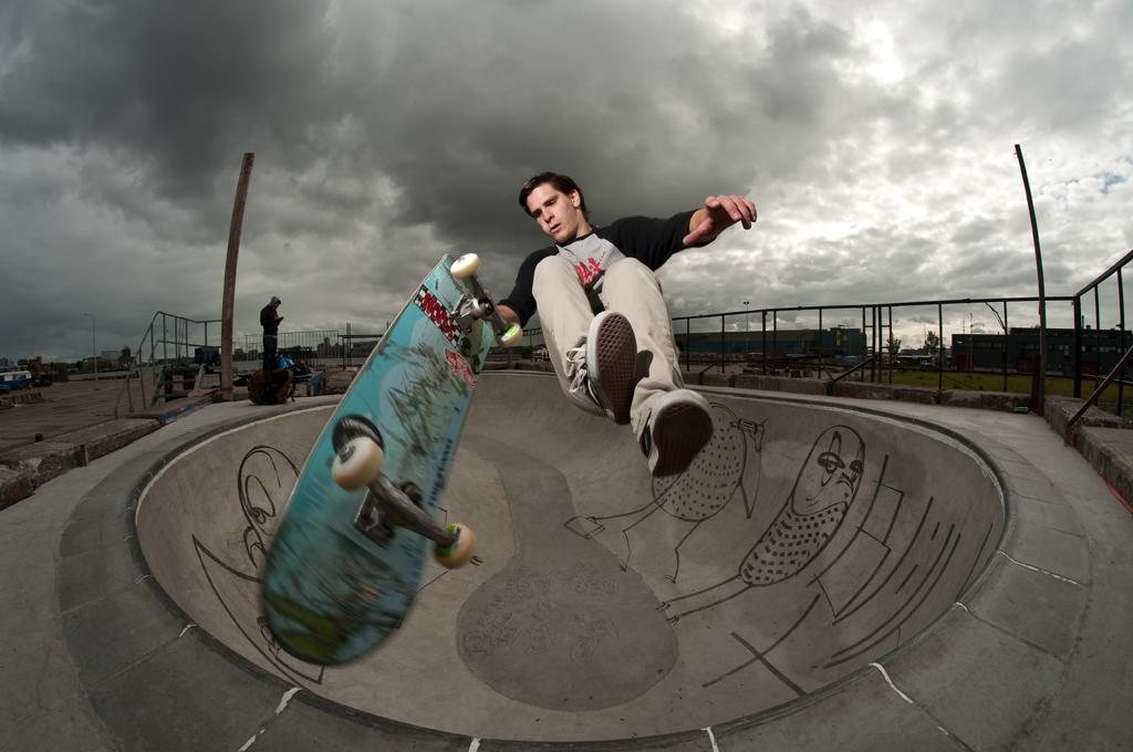 Tim B, Fingerflip to tail by eddiethink