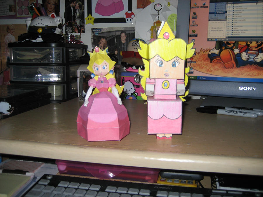 Paper Peach and Cubee Peach by peachnamyfan