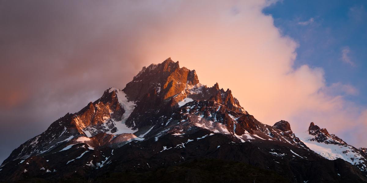 Jagged Mountain Light by Niv24