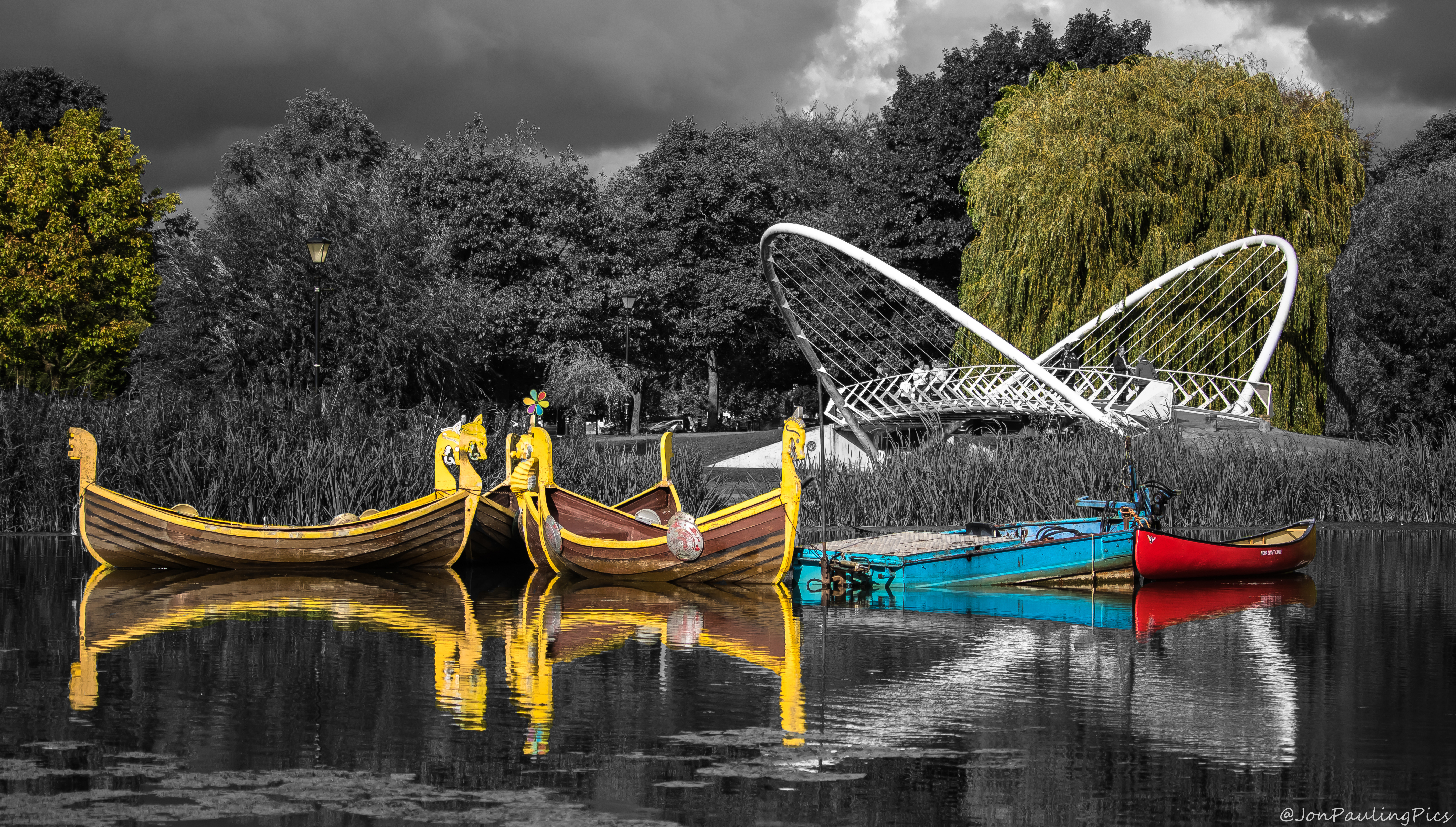 Bedford Boating Lake by Mincingyoda