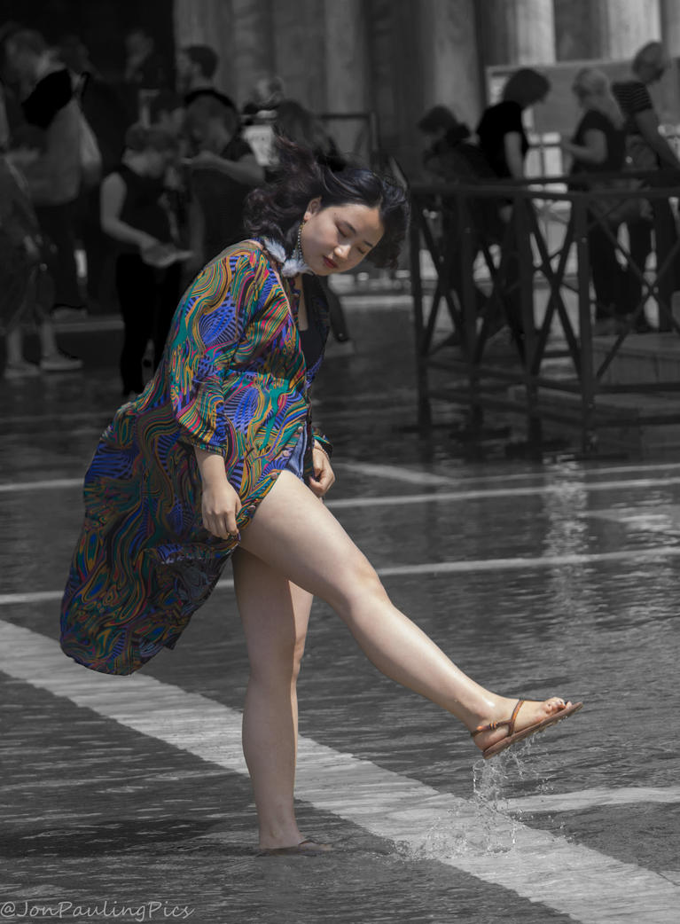 Splish Splash by Mincingyoda