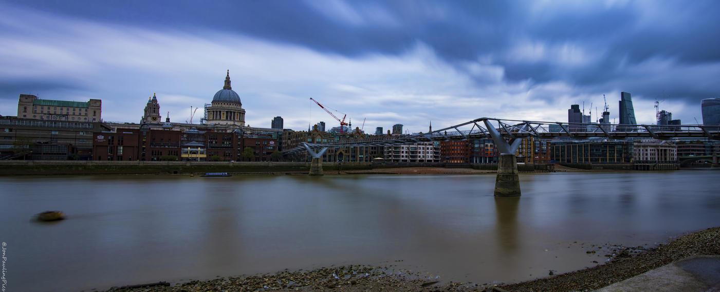 London Exposure by Mincingyoda