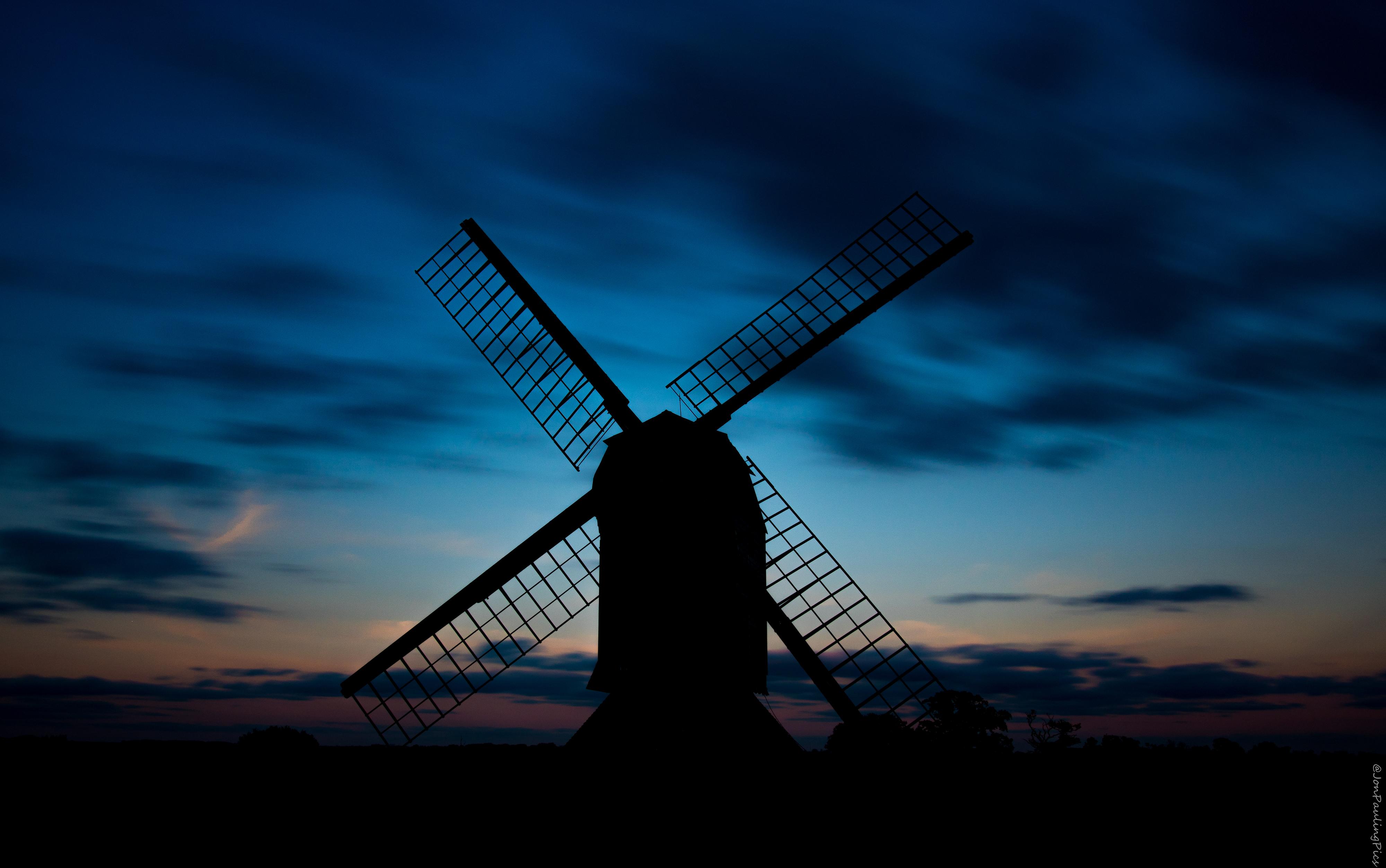 Stevington Dusk...................! by Mincingyoda