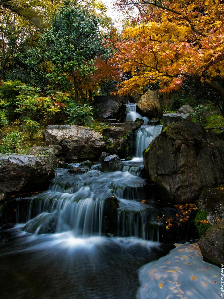 Kyoto Falls (2) by Mincingyoda