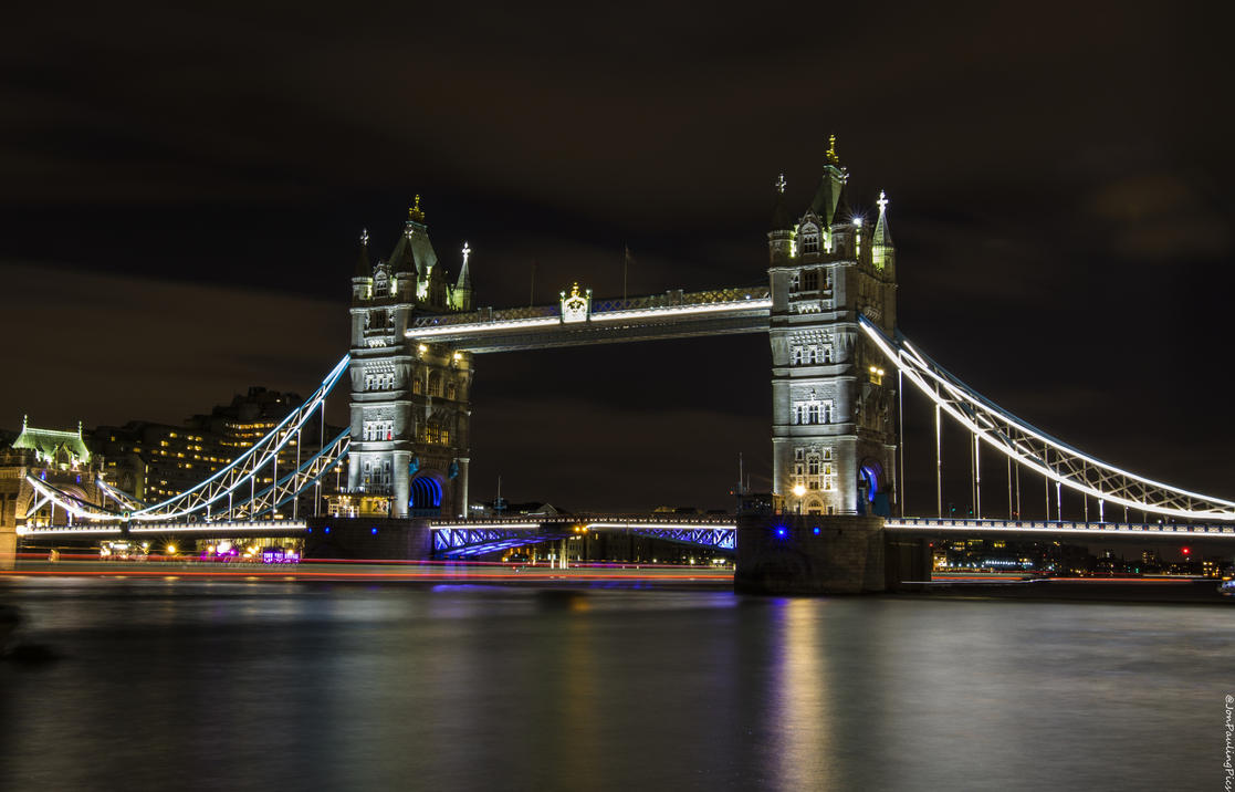 Tower Bridge Long Exposure by Mincingyoda