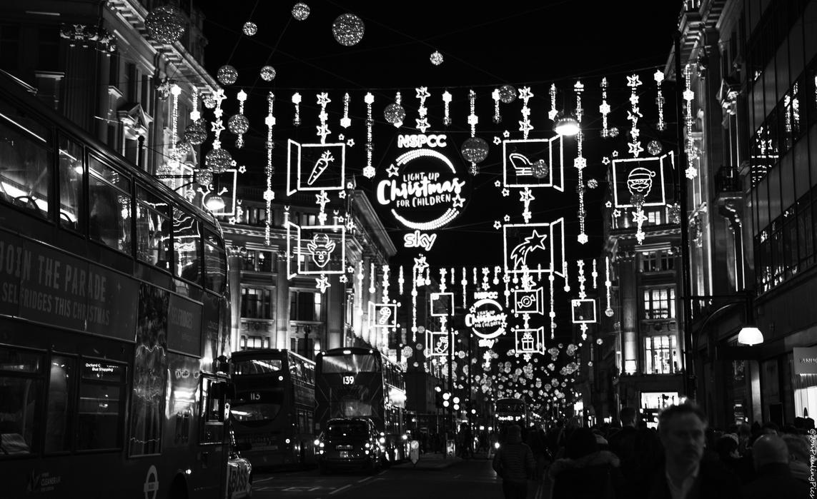 London Xmas Lights by Mincingyoda