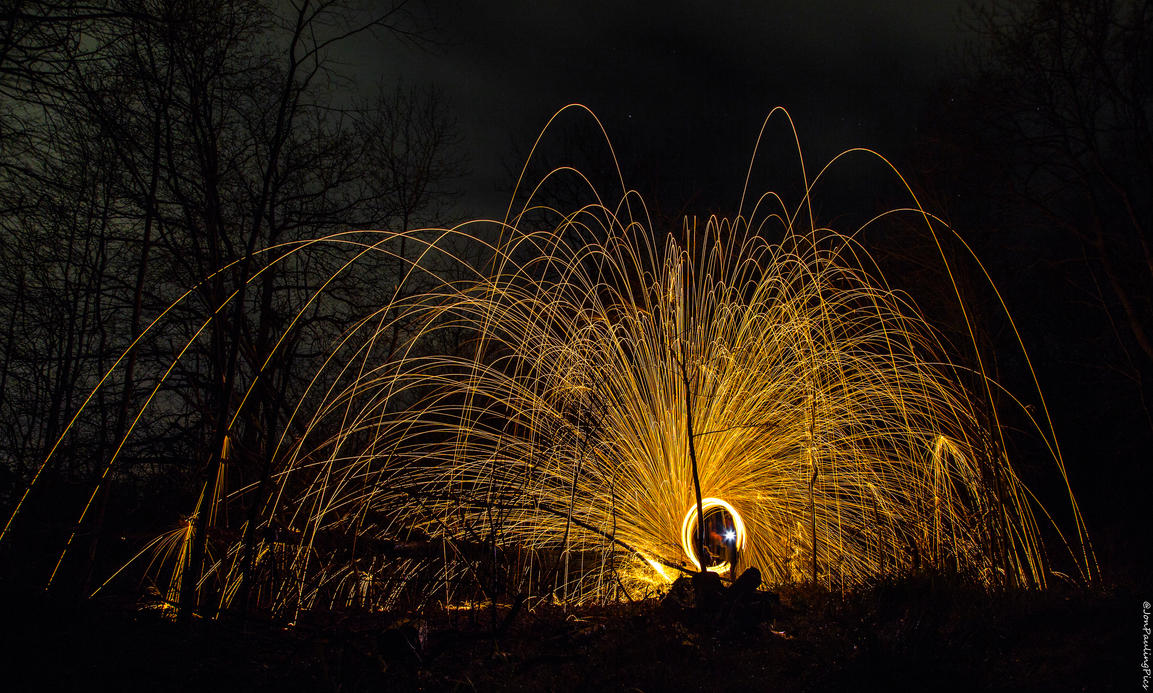 Wirewool Spinning (5) by Mincingyoda