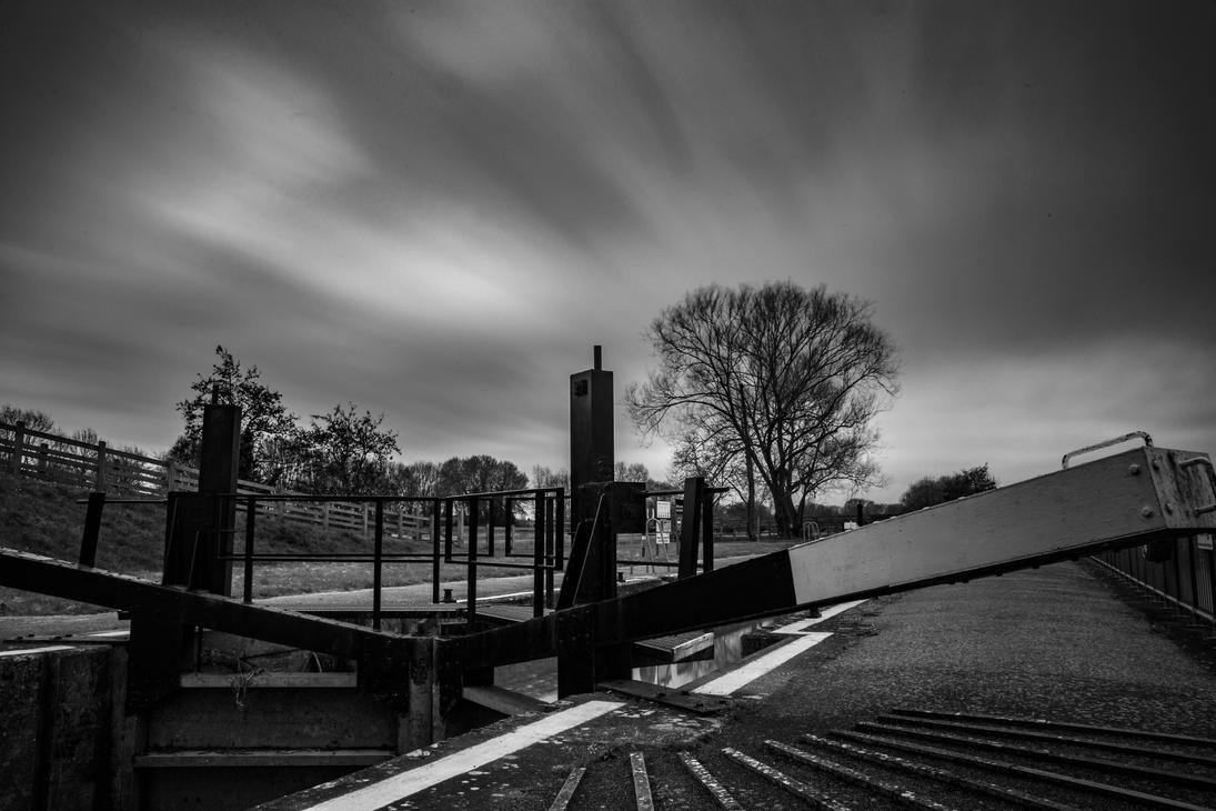 Gt Barford Lock! by Mincingyoda