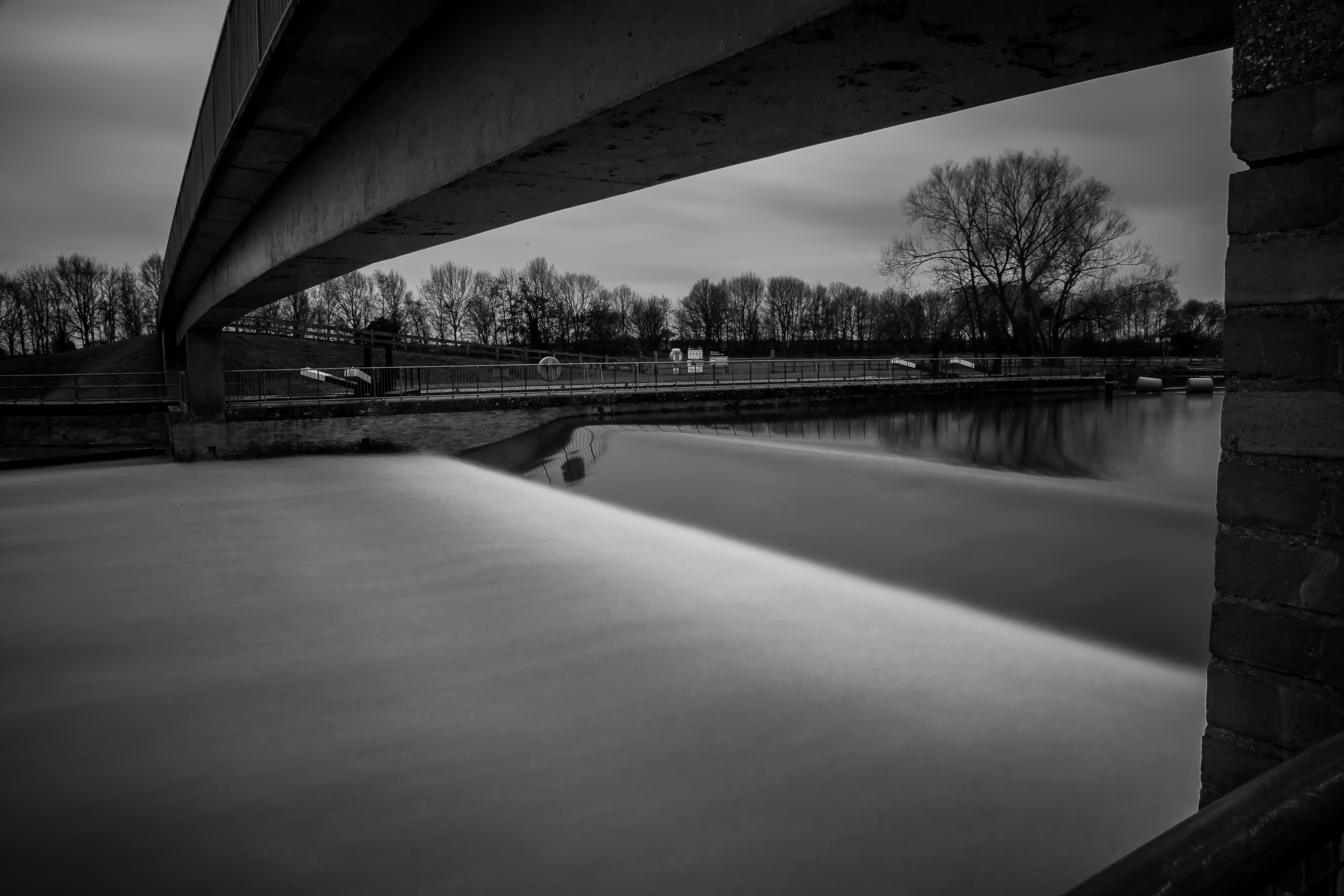 Gt Barford Weir! by Mincingyoda