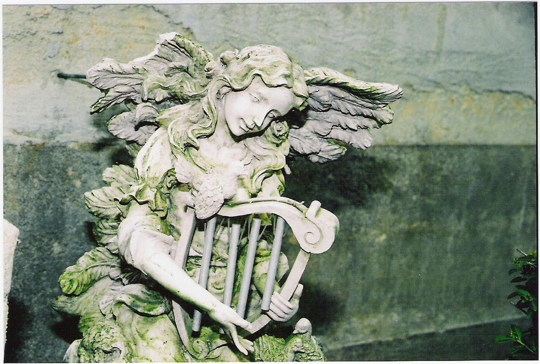 Angel Statue by Trippy-Insane