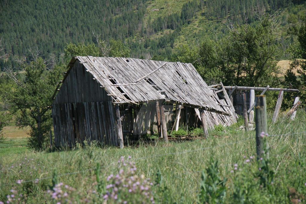 Ancient Barn by BrianArnoldImaging