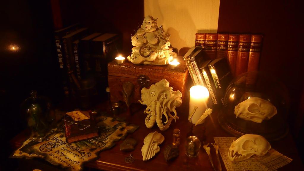 Cthulhu Altar by AdventureDepot