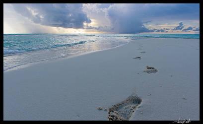 Maadhoo footprints by janapka