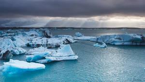 Glacial lagoon by janapka