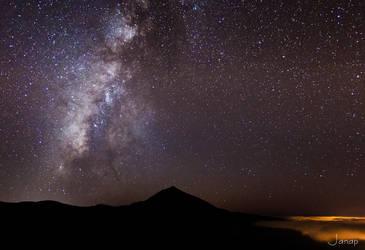 Milky way over Teide by janapka