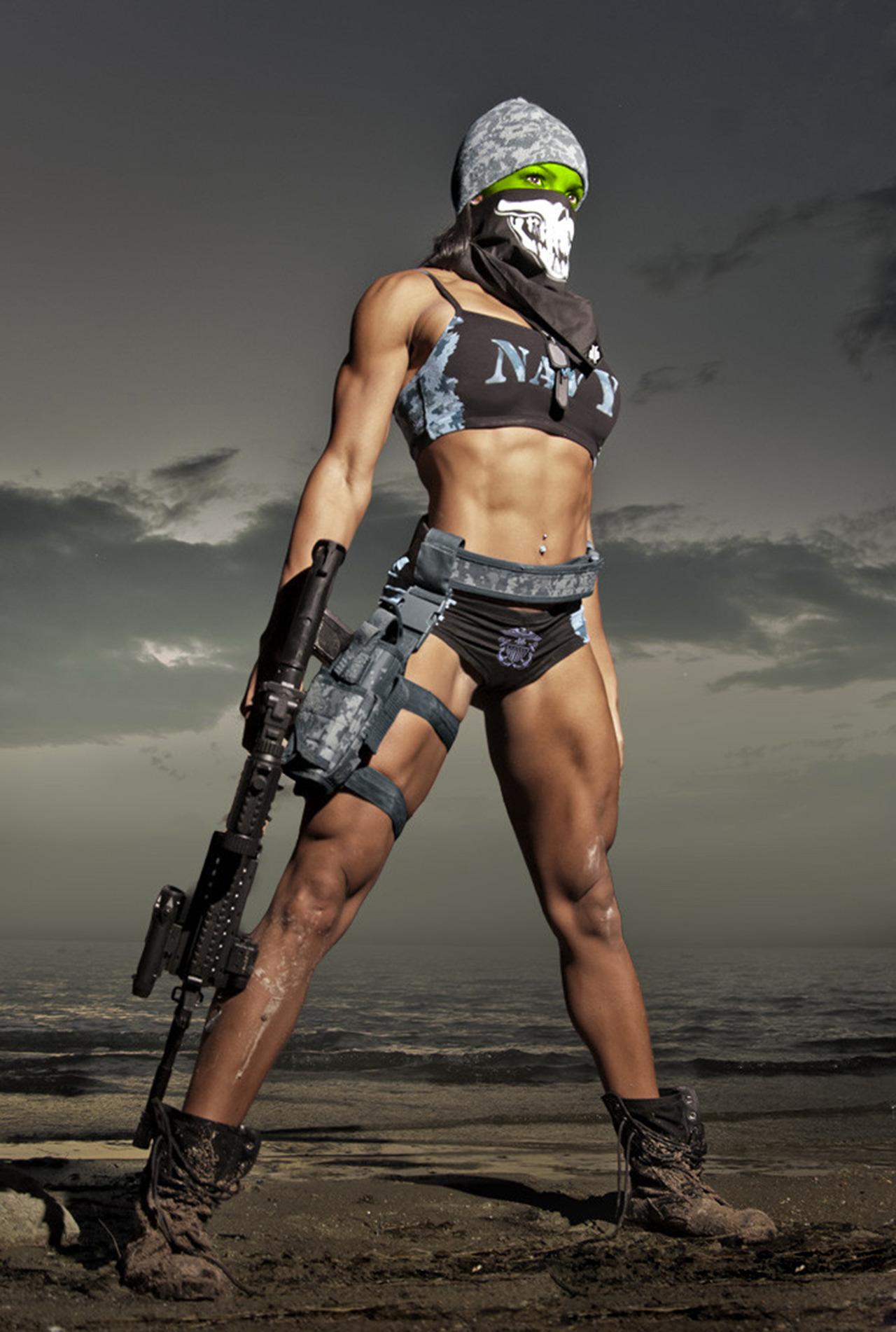 Фото девушек с оружием без одежды 2 фотография