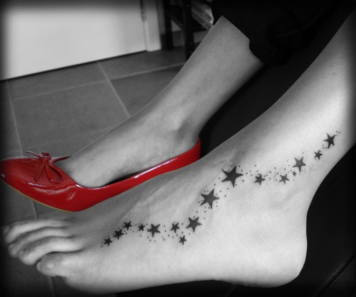 Тату для девушек на ноге звездочки