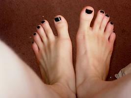 Feet by MsMysteriousStranger