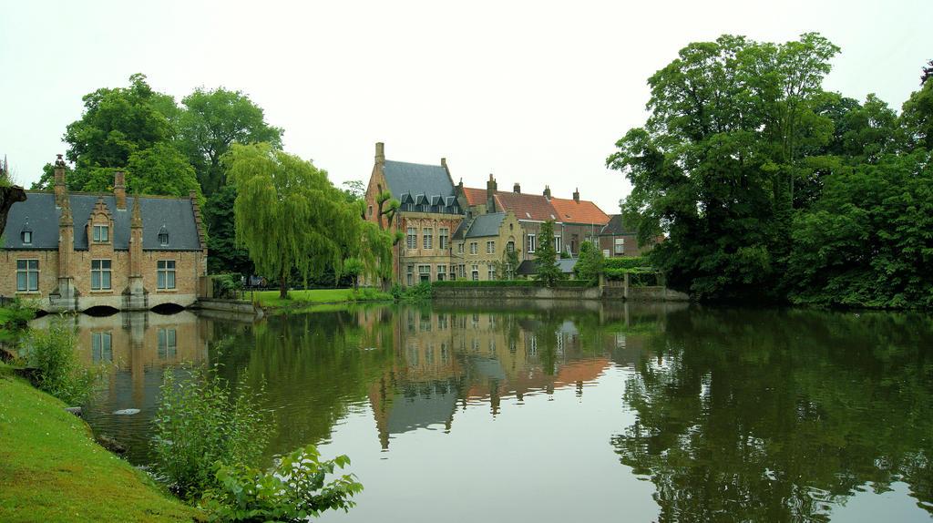 Brugge/ Belgium by neoturka