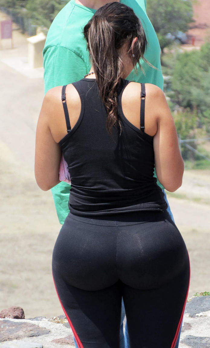 Huge Bouncy Ass 39