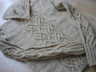 Woolen Aran sweater by terrakoru