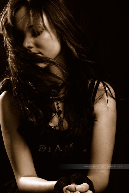 Brunette by Raz1n
