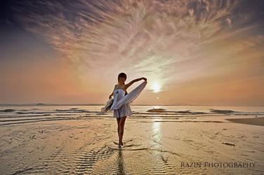 She dances in the sun
