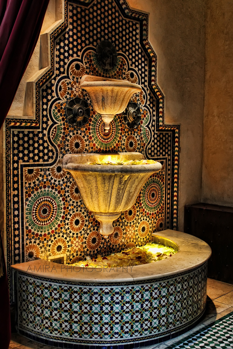 Fountain in Madinat Jumeirah Dubai by amirajuli