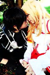 Kirito x Asuna Kiss by Ruieien