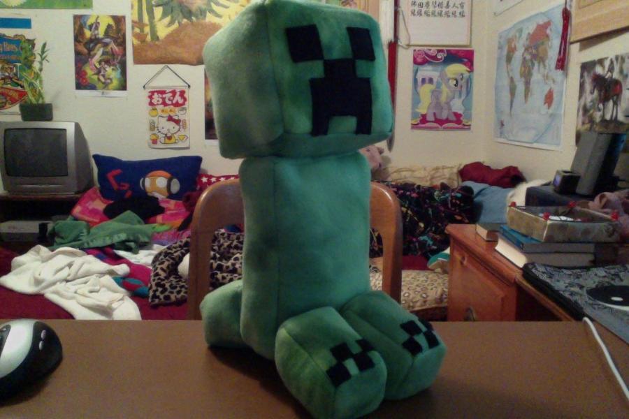 Minecraft Creeper Plush by LunarSpoon