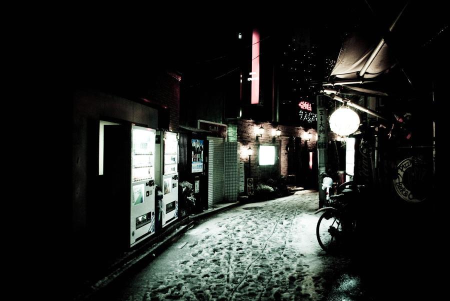 Snowed Tokyo by Babel-00
