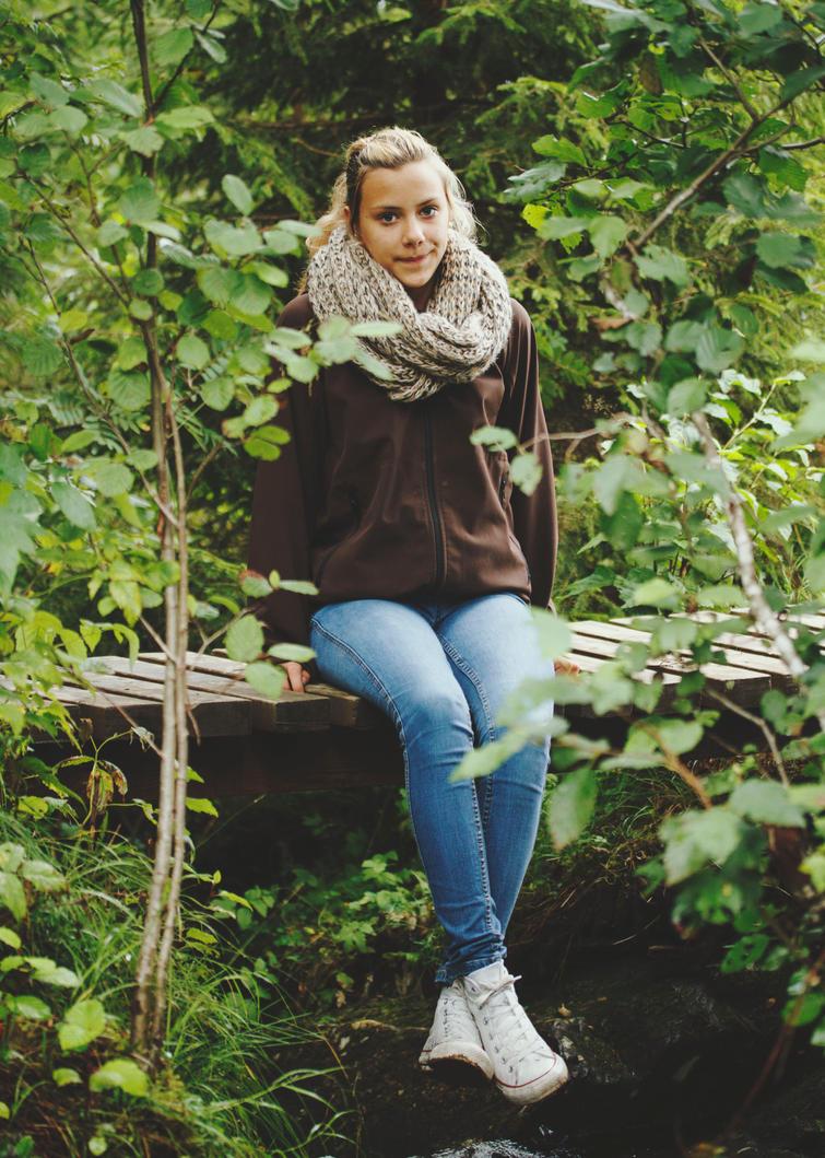 Girl in the wood by tonepiia